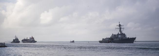 圖為導彈驅逐艦USS Nitze (DDG 94),10日正在離港。(歐新社)