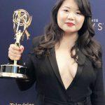 華人女作家高揚 奪艾美獎