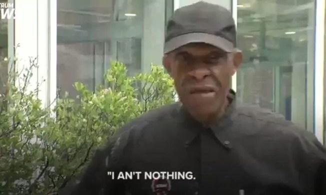 紐約羅徹斯特99歲的居民楊格每天走路六哩,只為探望他在醫院因罹患腦癌而癱瘓的妻子。(Spectrum News電視截圖)