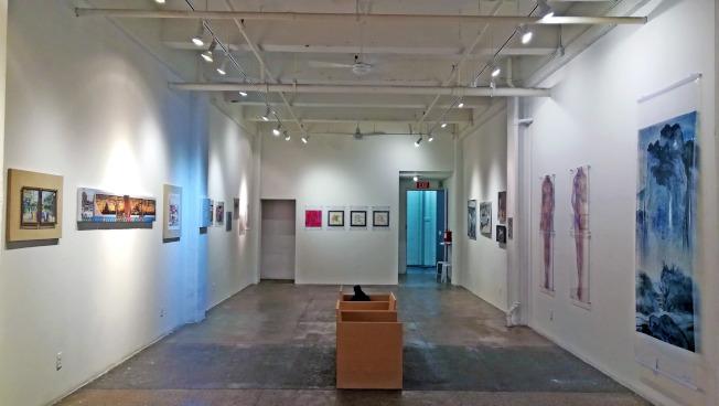 「漂浮—紐約中國藝術家邀請展」近日在曼哈頓雀兒喜展出。(主辦方提供)