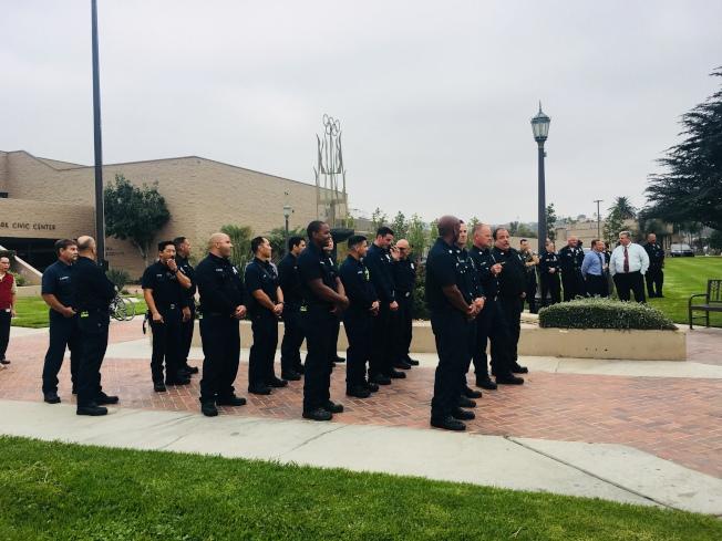 蒙市警消人員也都到場列隊參加。(記者林佩錦/攝影)