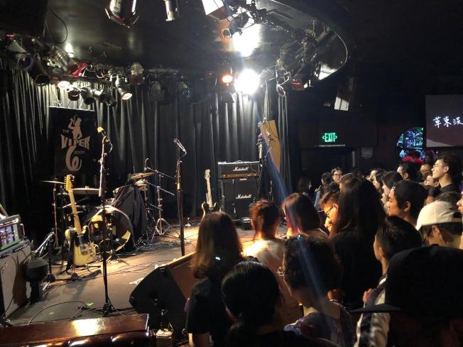 「草東沒有派對」9日在The Viper Room進行北美巡演最後一場演出。(記者張宏/攝影)