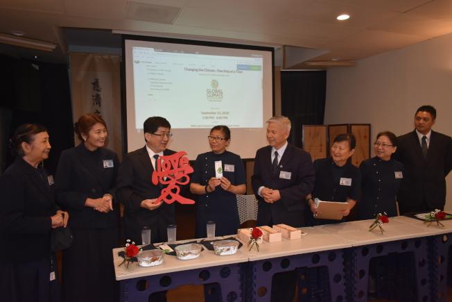 佛教慈濟基金會期望推廣大愛科技產品使用來保護環境。(記者黃少華/攝影)
