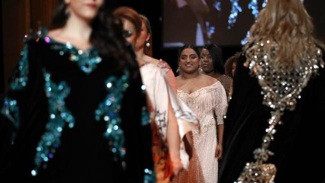 印度最大時尚活動「拉克美時尚周」自2016年開始邀請豐腴模特兒走秀。(美聯社)
