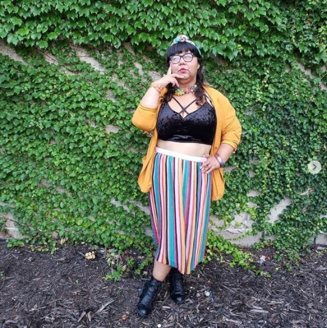維姬‧托瓦以自己經驗為例,鼓勵抗拒「肥胖恐懼症」並坦然接受自己的身體。(取材自Instagram)