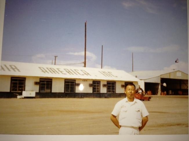當年派在越南機場工作。(圖片皆為作者提供)