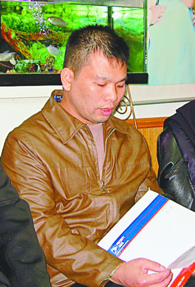 林朝掌2006年在妹妹遇害後,向家鄉社團求助,當時他精神正常。(本報檔案照)