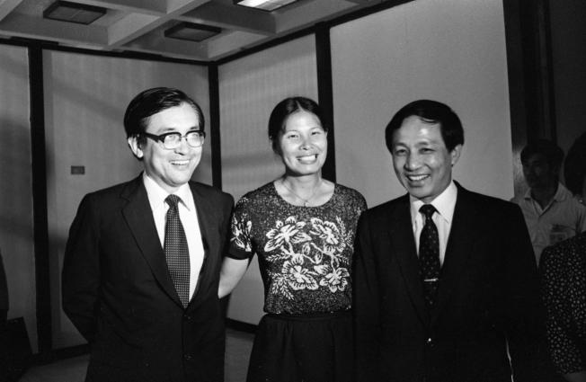 圖為1982年時任台灣省議會議長高育仁(右起)、立法委員紀政、清華大學教授沈君山,應邀前往舊金山參加活動。(本報資料照片)