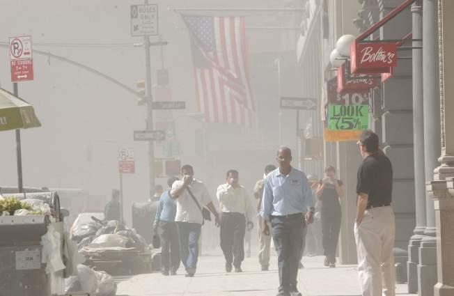 九一一恐襲事件後,生活在世貿遺址附近至少15名男性罹患乳癌。(Getty Images)