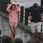 颶風派對喝酒狂歡 海濱居民傳統 「要死就死得痛快點」