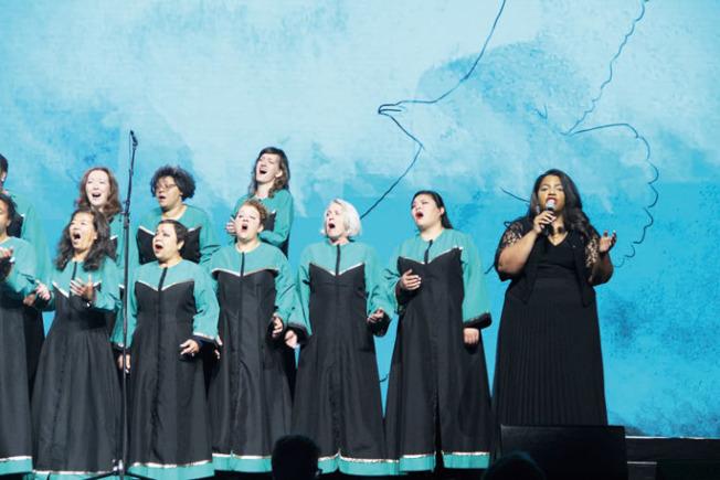 開場合唱團演唱Michael Jackson的名曲「地球之歌」(Earth Song)。(記者李晗/攝影)