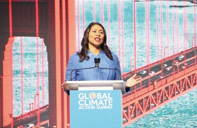 布里德致歡迎辭,強調舊金山一直是全球環保的領導者之一。(記者李晗/攝影)