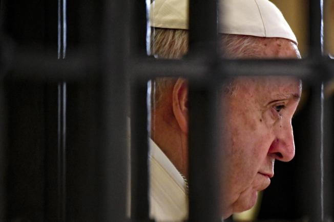 天主教神職人員性侵醜聞層出不窮,教宗方濟各也受責難。(歐新社)