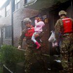 「救救我!」 颶風強襲北卡 水淹新伯恩數百人困