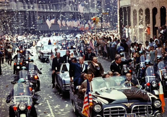 1969年8月13日紐約市歷史上最大的遊行歡迎阿波羅11號的三名太空人。(取材自NASA)