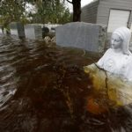 洪水圍困 女子急中生智 推文救了全家
