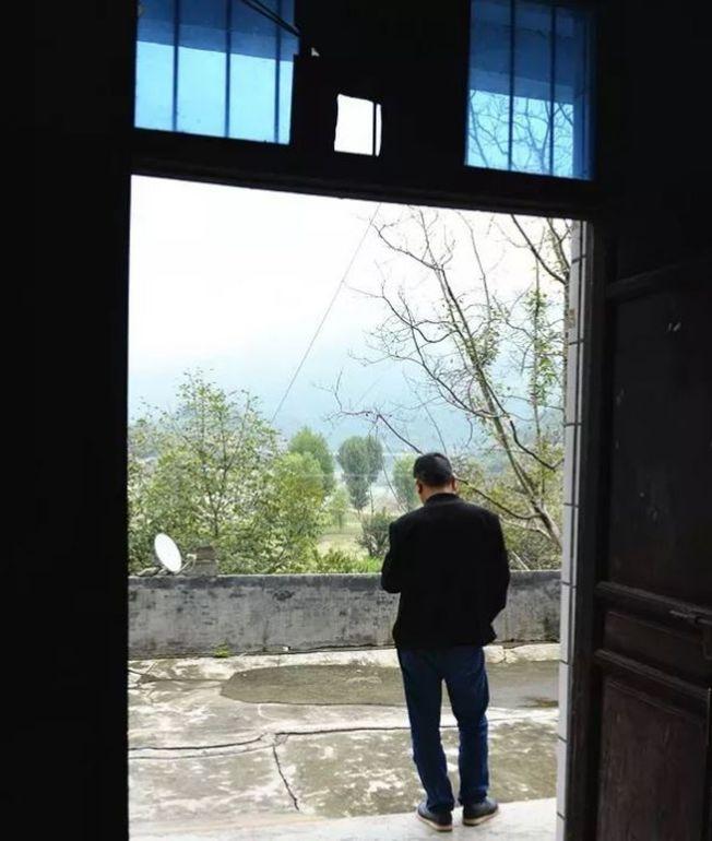 9月14日,在陝西寧強老家的于建林。(取材自紅星新聞)