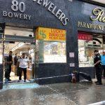 華埠珠寶店 遭2匪持槍打劫