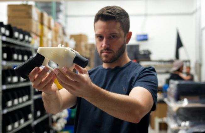 3D列印手槍發明人威爾森因被控性侵罪,目前已潛逃至台灣。(Getty Images)