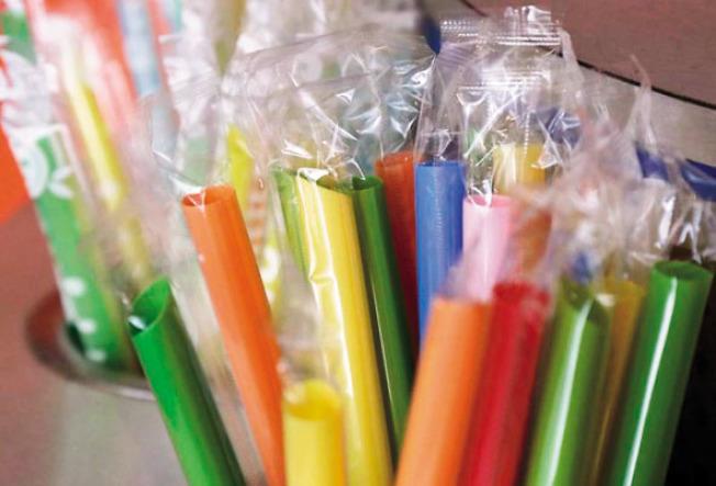 加州領跑全美禁塑膠吸管。
