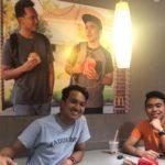 亞裔在麥當勞貼印自己照片的假海報 反獲贈2.5萬元