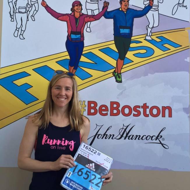 金柏莉.瓦翠克從住家在國會山街區跑約5.6公里到上班,她平日也常參加跑步活動。(Kimberly Wattrick臉書)