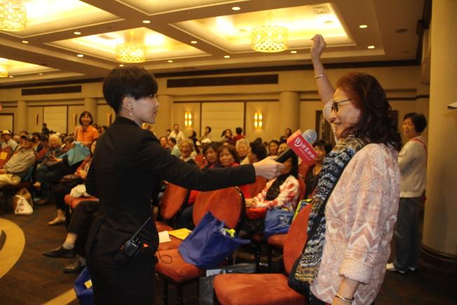 民眾踴躍參與養身健康講座。(記者賴蕙榆/攝影)
