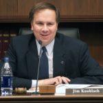 女兒指控猥褻  明州議員急退選