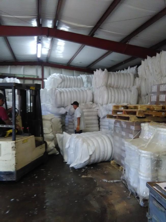 新月鴨場出產的鴨毛,出口到韓國、中國和越南。(韓傑/攝影)