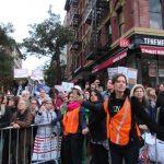 享福利沒綠卡?移民團體抗議:身分與健康間做選擇