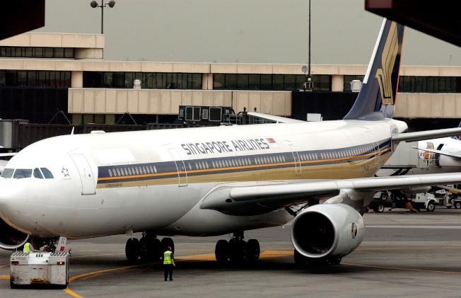 新加坡航空的班機在新澤西州紐瓦克機場。(Getty Images)