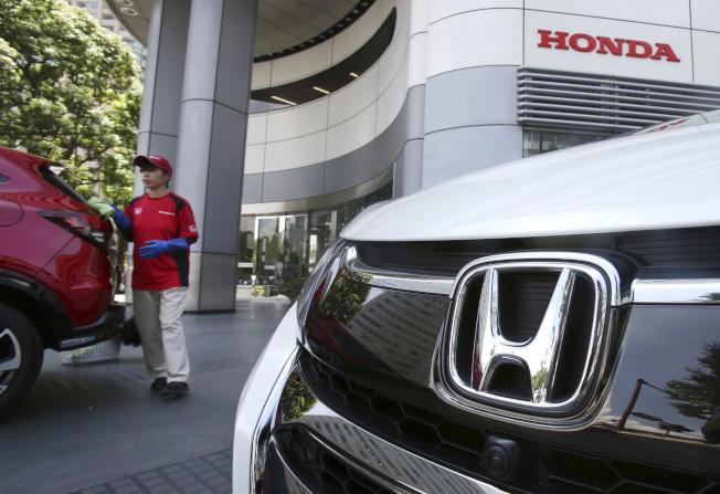 高田公司生產的安全氣囊遇熱意外爆裂風暴持續延燒,導致本田汽車宣布召回140萬輛車。(美聯社)