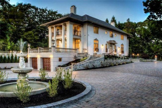 關穎珊的羅德島州豪宅找到買家