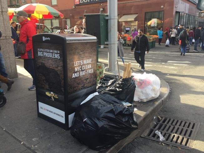 紐約市在全美「最惹人厭城市」排行榜中名列第六,垃圾箱撐爆或亂丟垃圾就是原因之一。(本報檔案照)