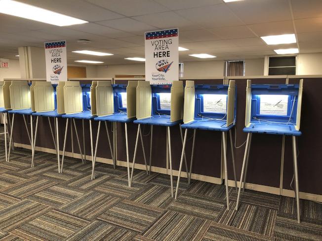 圖為明尼蘇達州明尼亞波利斯市的投票站。(美聯社)