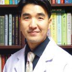 韓一中醫院延泰欽醫師採用針灸推拿中藥治療各種痛症