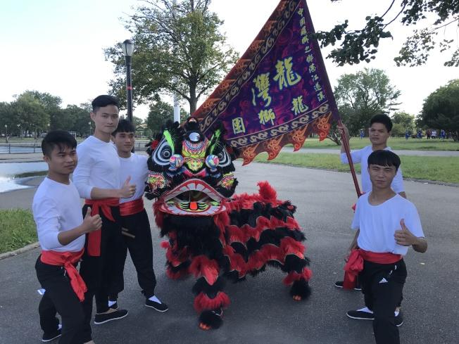 首屆紐約國際獅王大賽六隊參賽;中國湛江市龍灣龍獅藝術團奪冠。(記者牟蘭/攝影)