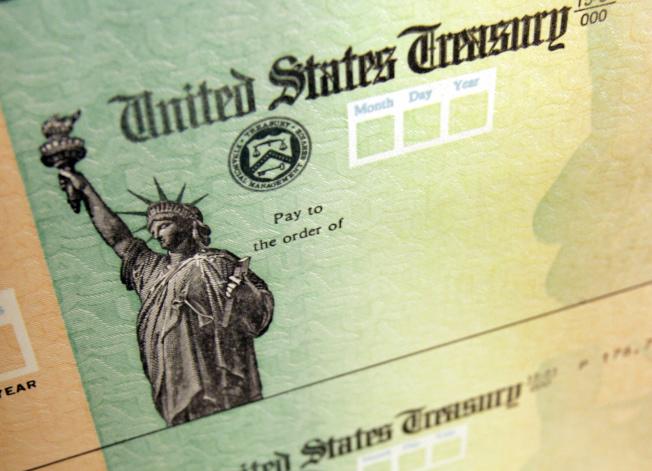 為獲得聯邦退稅虛報收入,會引起移民官的懷疑。(美聯社)