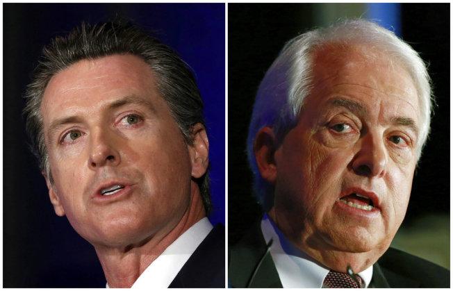 加州州長候選人紐森(左)與考克斯(右)8日舉行選前唯一一場辯論會。(美聯社)
