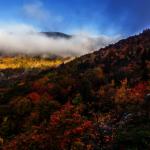 北卡羅萊納州多山 秋季紅葉吸引遊客