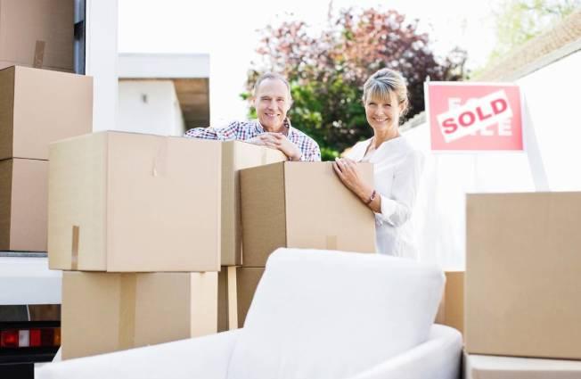 銀髮族在退休後把大宅換成小房子的年紀越來越晚,估計在2016年為止的10年間,已延後5年至80歲才換屋。(Getty Images)