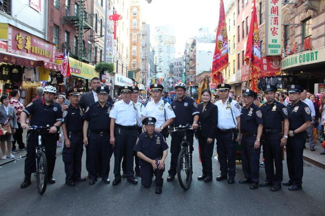 紐約市警隊伍參加中華民國107年雙十國慶大遊行。(記者張筠/攝影)