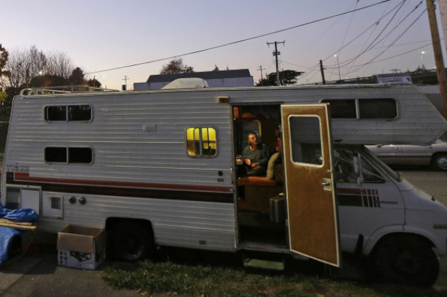 巴洛阿圖街頭出現出租露營車生意。(美聯社)