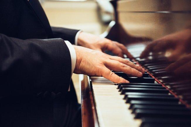 頂尖神經學者需為弱勢老人彈三年鋼琴,以換取免入獄服刑。圖/ingimage