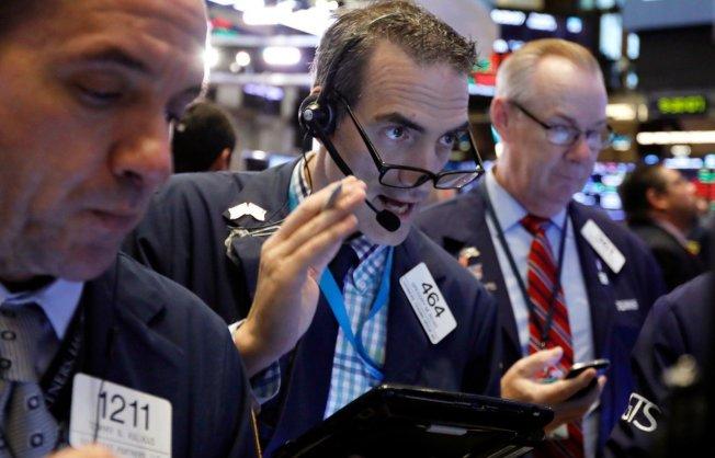 美國股市11日盤中波動劇烈,道瓊工業指數一度大跌514點。 美聯社