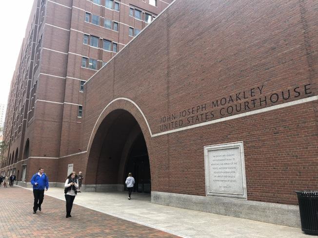 亞裔控告哈佛招生歧視案在波士頓聯邦法院開始第一天的庭審。(記者劉晨懿之/攝影)