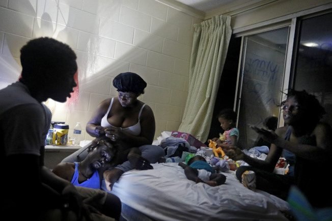 〈圖輯〉 颶風過後 無家可歸 千人失蹤