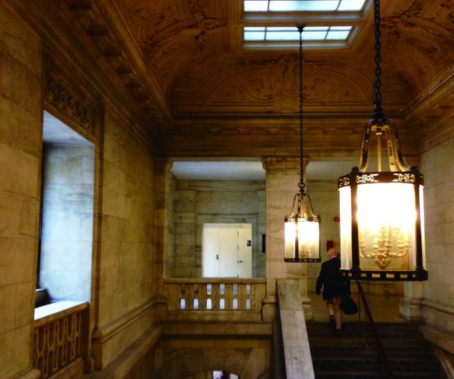 古典雅緻的紐約市立圖書館。(盧秋瑩.攝影)