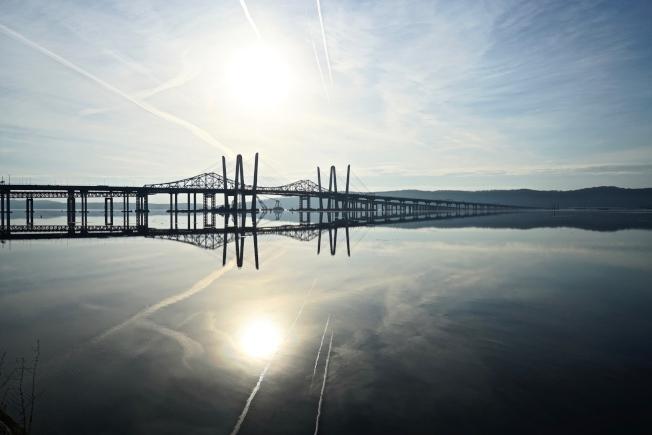 新塔潘澤大橋建好通車後,位於Tarrytown哈德遜河畔旁的Pierson Park成了觀橋看夕陽的熱門景點。