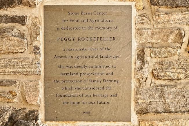 位於哈德遜河谷Pocantico Hills的Stone Barns Center for Food and Agriculture是一個既富休閒又有教育功能的農牧場,是為了紀念農場女主人佩姬.洛克菲勒女士而成立。